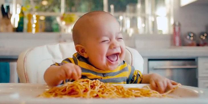 Disse babyene «synger» den søteste sangen noensinne! Herlighet som jeg smelter!