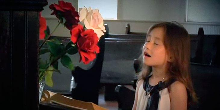 Moren hennes døde av kreft. Når jeg hører datterens hyllest … Så gripende!