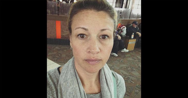 Sleip selger vil selge henne kosmetikk for hennes «aldrende» ansikt… Svaret hennes er helt genialt!