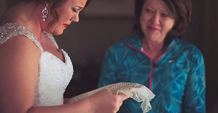 Moren gir den adopterte datteren DETTE på bryllupsdagen. Når jeg så hva det var, strømmet tårene!