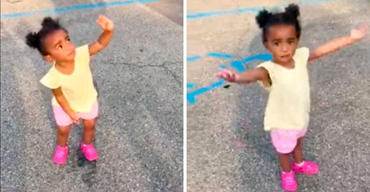 2-åringen mener hun er smartere enn faren! Når hun innser at pappa har rett? Herlig!