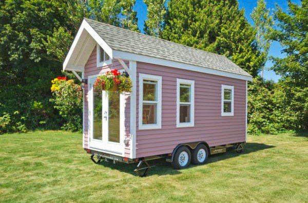 Huset er bare 15 kvadratmeter stort – Men det de har fått plass til er helt fortryllende!