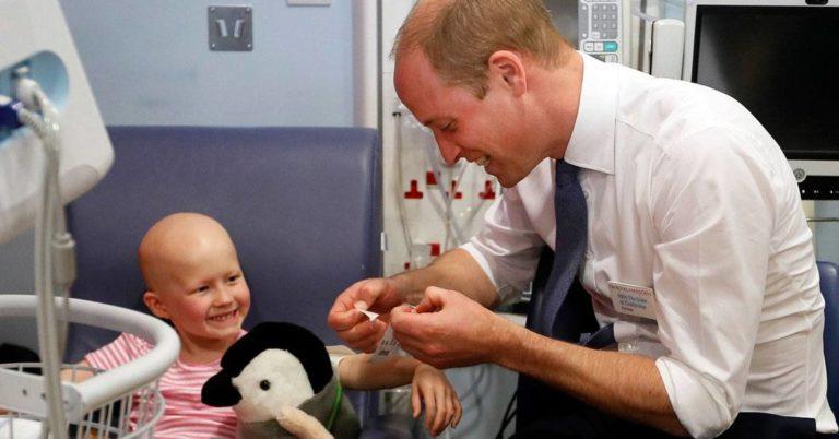Prins William fridde til den kreftsyke jenta – Svaret fikk hele rommet til å bryte ut i latter!