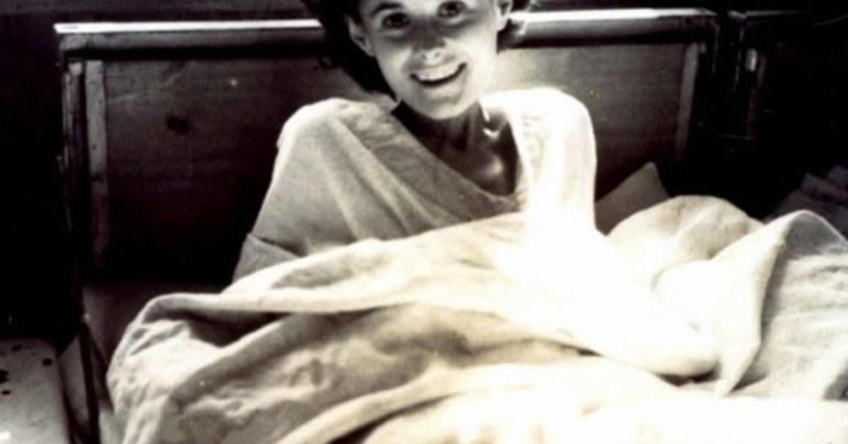 8-åringen ga sjokoladebiten sin til en gravid kvinne i konsentrasjonsleiren – 70 år senere får hun sin takk!