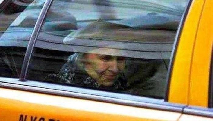 Eldre kvinnen hadde mistet alle og skulle snart dø – Drosjesjåfør lyste opp dagen hennes