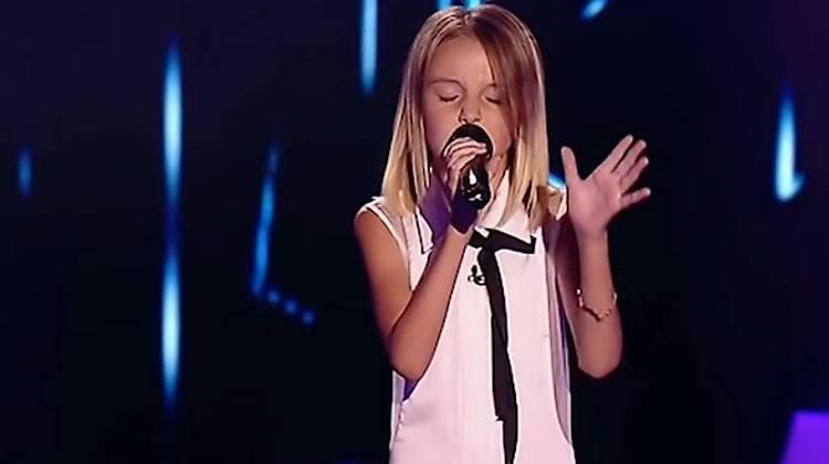 10 år gammel jente fremfører en vanskelig låt – I løpet av sekunder snur alle dommerne stolen sin!