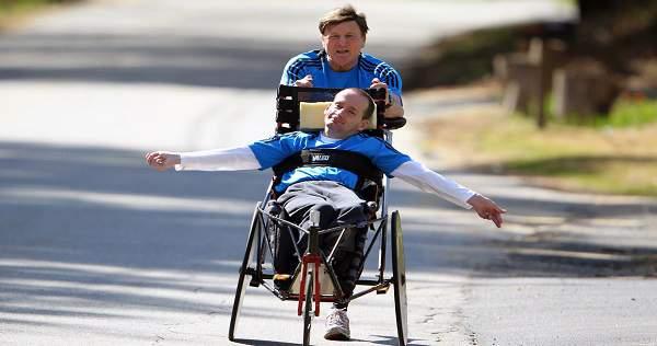 Gutten med cerebral parese var lenket til en rullestol. En dag hadde han et spesielt ønske til sin far