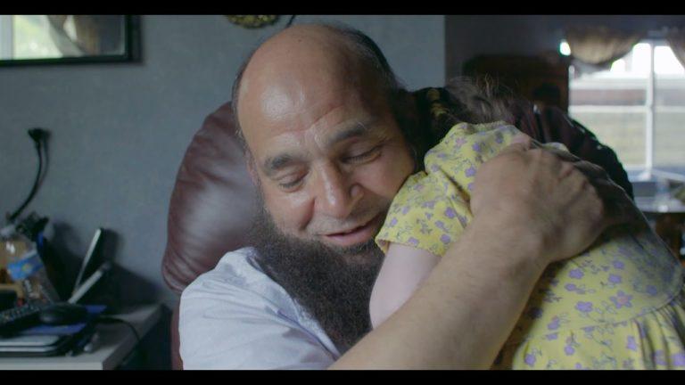 Møt mannen som tar vare på dødssyke barn til siste slutt – barn som ingen andre vil ha